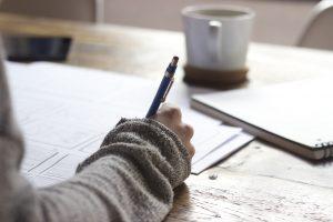 客室乗務員になるためには英語は必要?外資系・日系エアラインで求められる英語力とおすすめの勉強法